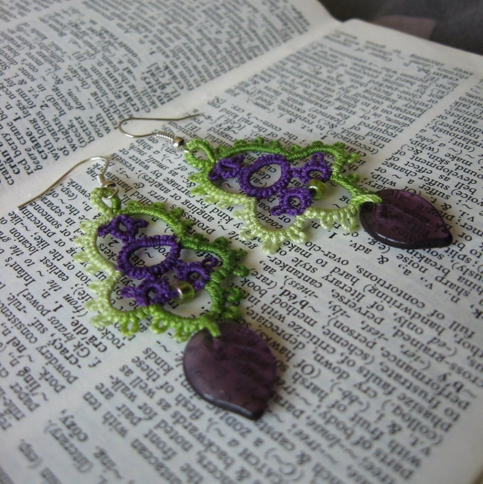 Blackberry earrings with purple leaf-shaped beads