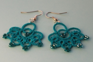 Bella - hand-crafted turquoise earrings with beads