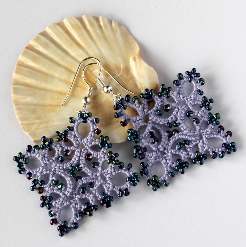 Beaded earrings with cotton retro lace