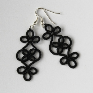 Handmade frivolite earrings in classic black