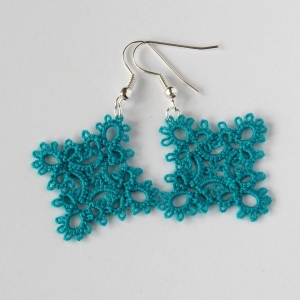 Diamond shaped handmade earrings, frivolite technique