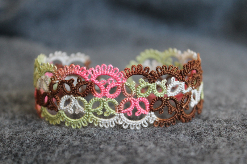 Multicolour bracelet - vintage tatting technique