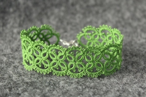 Forest green lace bracelet